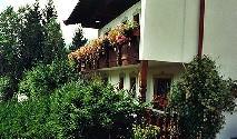 HAUSANTEIL (Haus-im-Haus-Charakter) mit Garten und Freiflächen