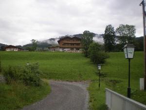 4 Zi.Whg. in Landhaus im DG - wie neu.Hochwertig.