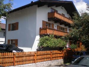 3 Zi. DG Wohnung Stadtmitte GRIES - zurückversetzte Lage